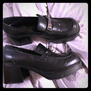 Size 11 skechers 90s style chunky heel platform